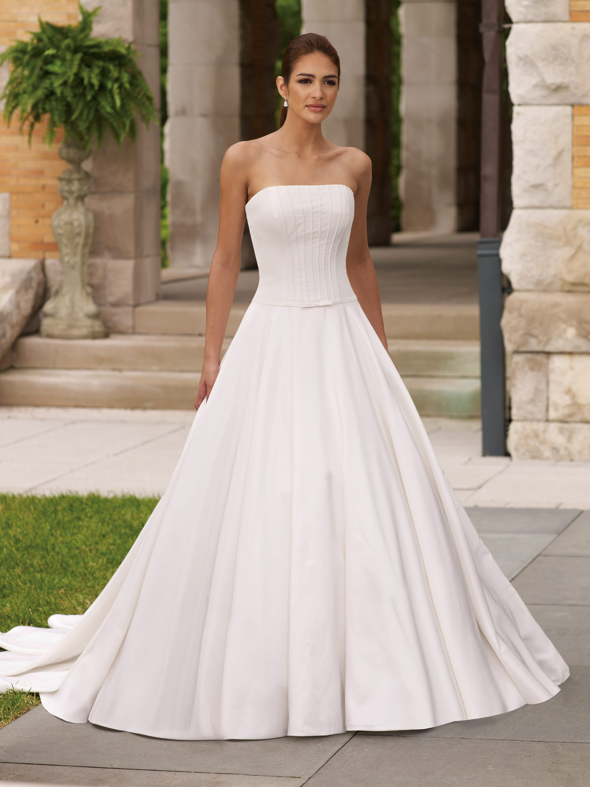 example formal photos design choices wedding gowns