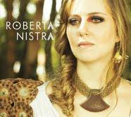 Roberta Nistra se apresenta no Casarão Ameno Resedá André Gabeh faz participação especial