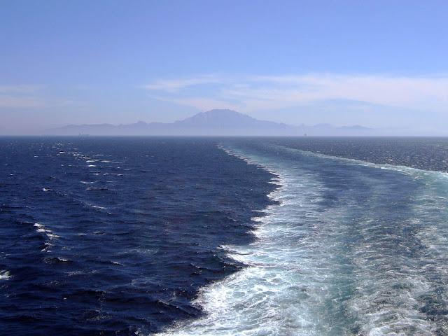 Przeprawa promowa Tanger - Algeciras | Na horyzoncie Maroko i Monte Musa