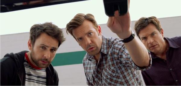 Jason Bateman, Jason Sudeikis e Charlie Day no trailer da sequência de comédia Quero Matar Meu Chefe 2