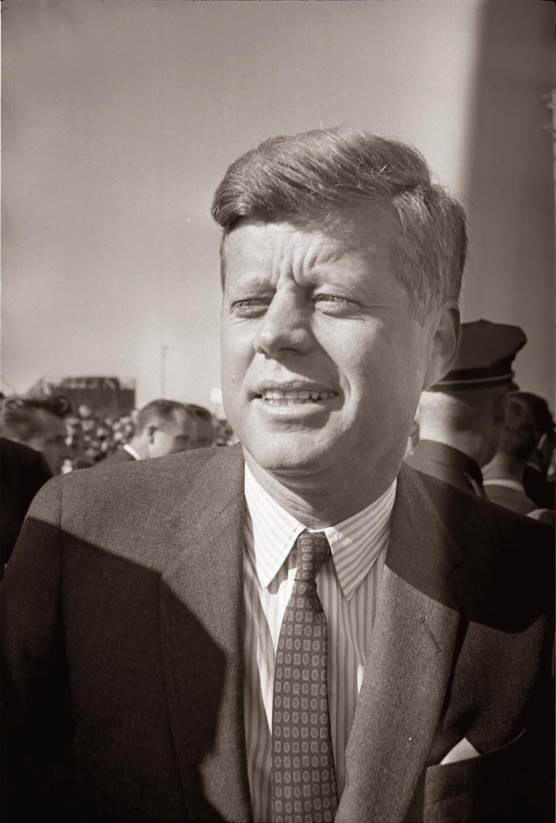 JFK-At-Love-Field-11-22-63.jpg