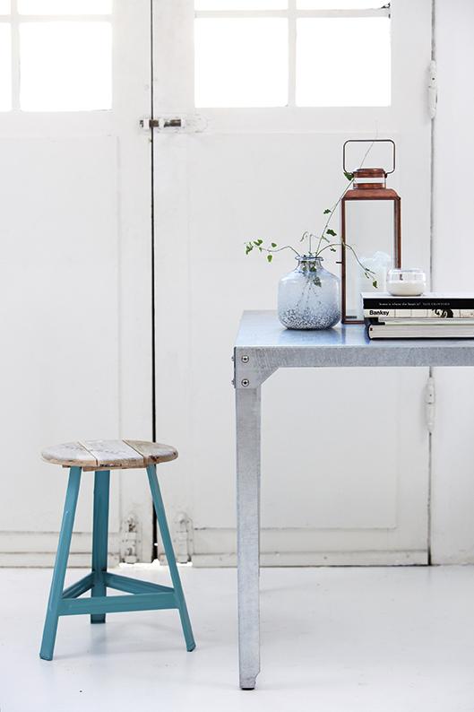 leuchtend grau interior magazin celebrating soft minimalism im trend kupfer. Black Bedroom Furniture Sets. Home Design Ideas