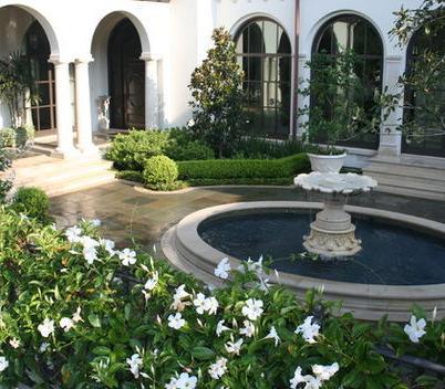 Fotos de jardin colores en jardin de una casa for Casa herramientas jardin