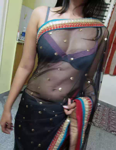 Hot Indian Wife Removing Saree Showing Big Boobs - Topless ...