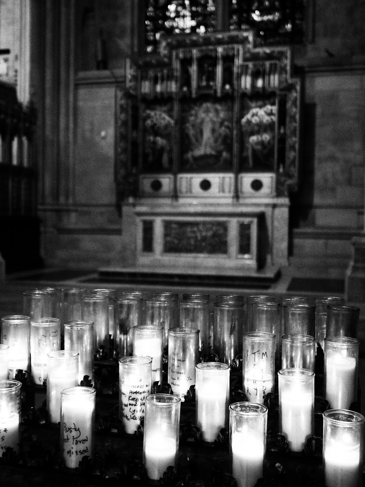 Remembering #remembering #stjohnthedivinecathedral #silence #hope