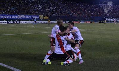 abrazo del alma, abrazo, cavenaghi llorando, cavegol llorando, River finalista, Copa Libertadores, 2015,