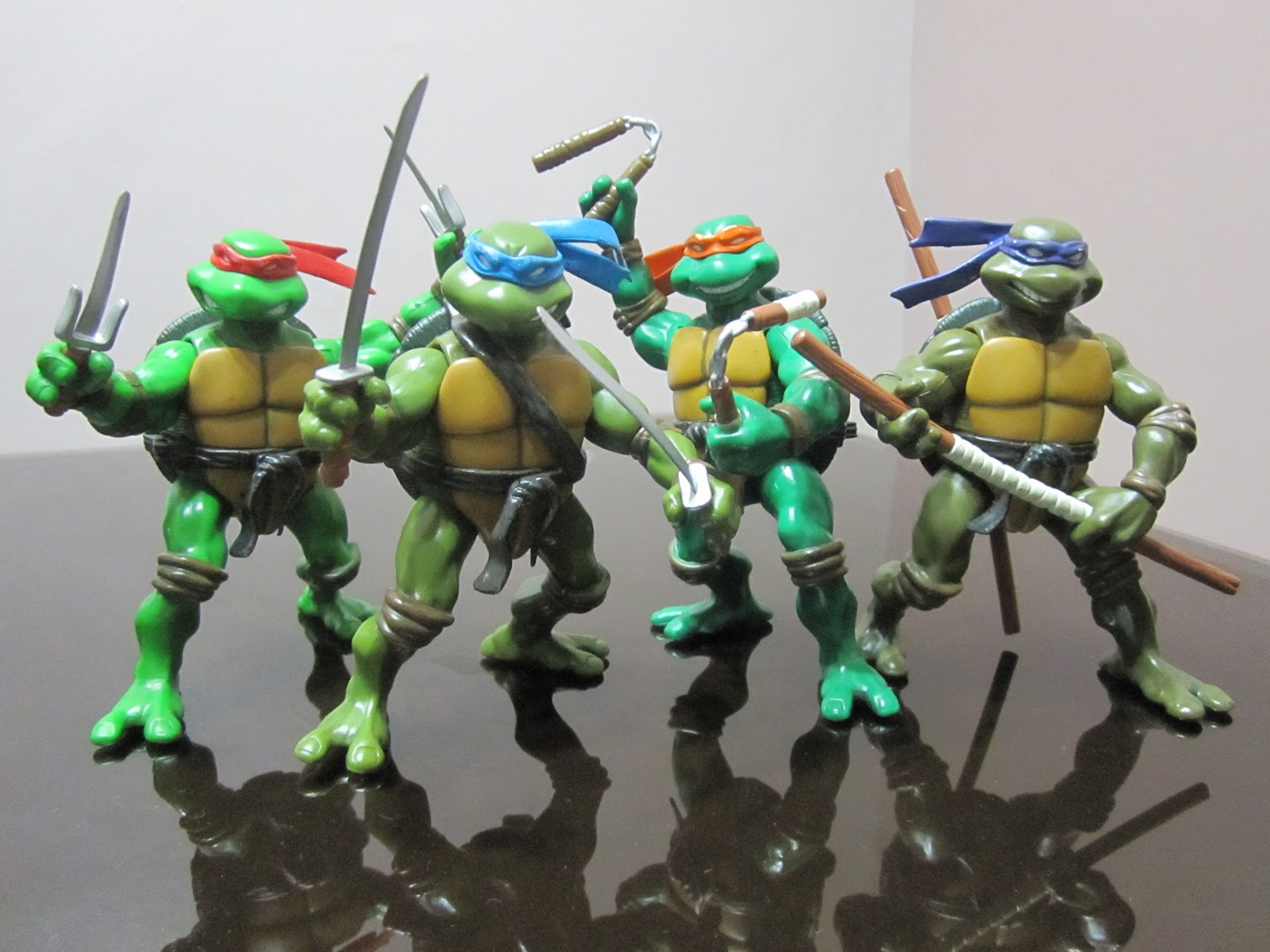 Teenage Mutant Ninja Turtles 2003 Toys : Teenage mutant ninja turtles action figure planet