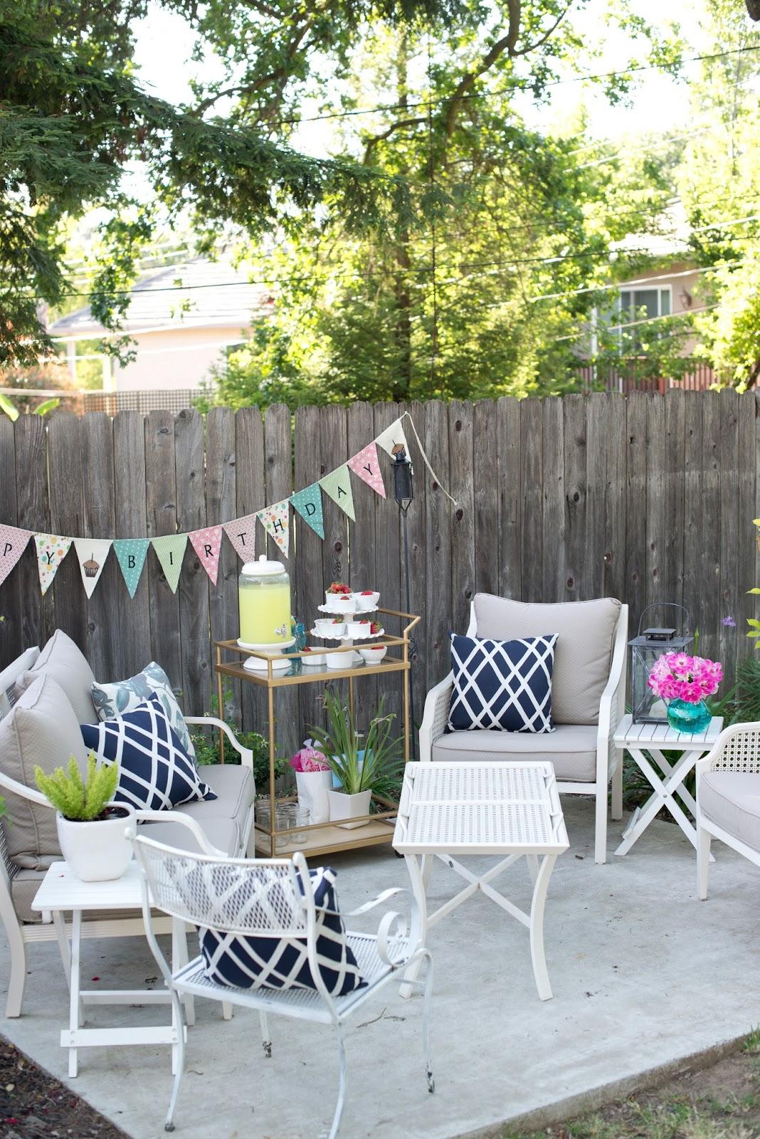 domestic fashionista backyard al fresco birthday party