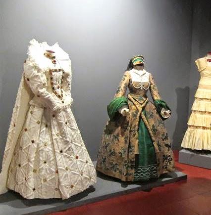 Vestidos de papel