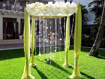 Decorating Wedding Arch