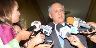 """""""Gobierno ha hecho demasiado para regular a los haitianos"""""""
