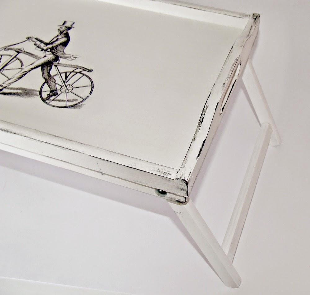Biała taca do łóżka taca śniadaniowa z rowerzystą - decoupage Eco Manufaktura