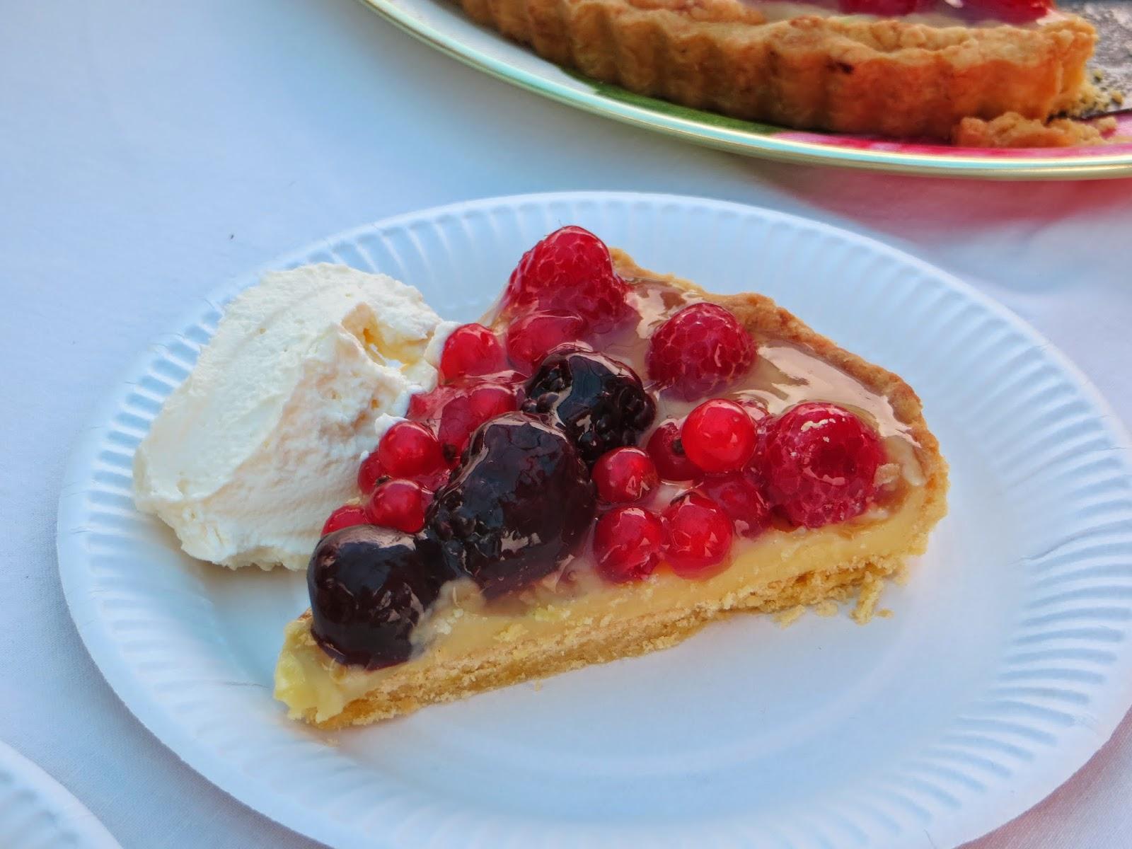The tart cut beautifully and tasted wonderful.