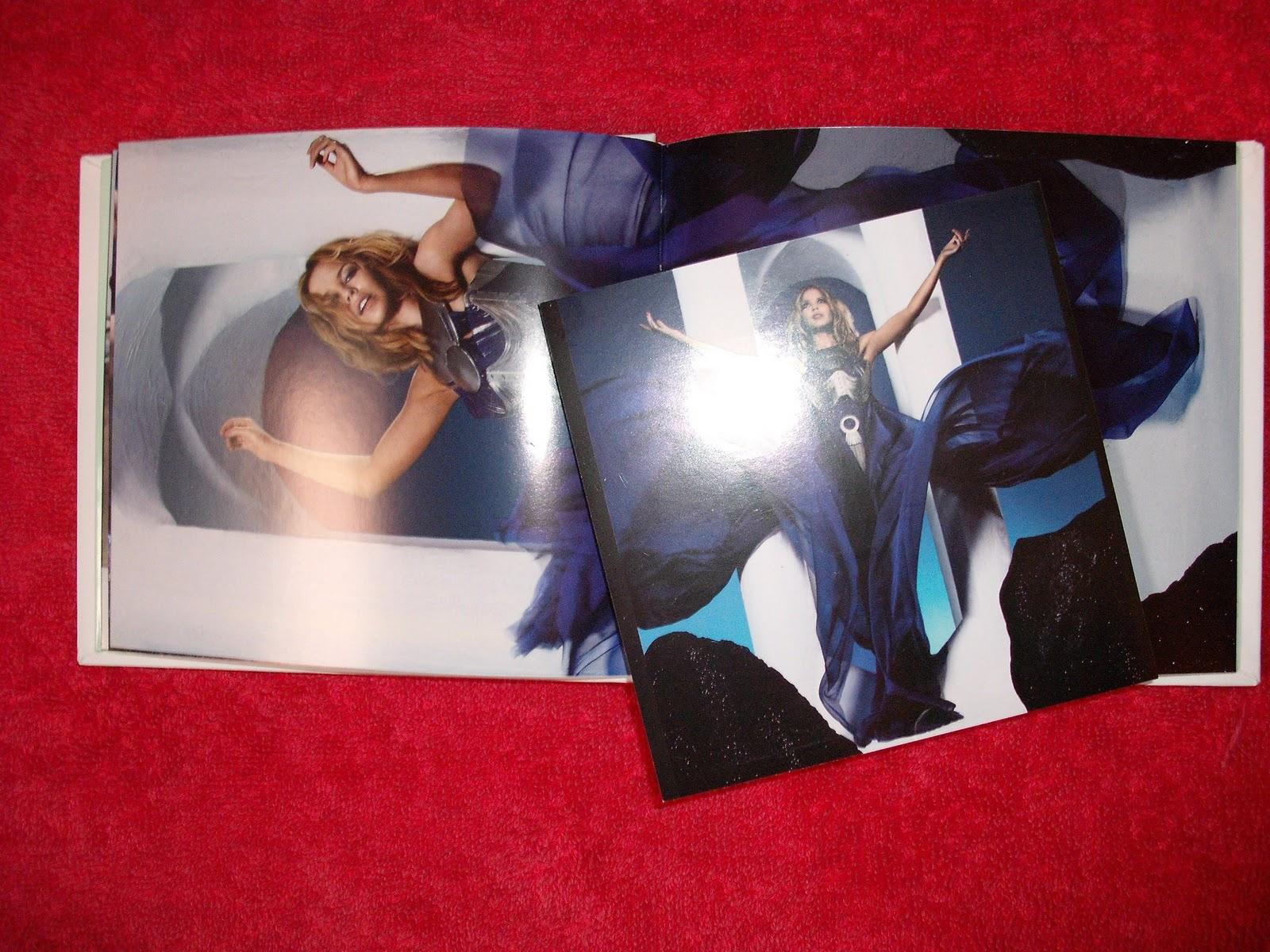 http://2.bp.blogspot.com/-ZU8cOYV0bpE/TVdkdEUe93I/AAAAAAAAAHg/z8ZeD5M4d5s/s1600/Kylie+Aphrodite+%25284%2529.JPG