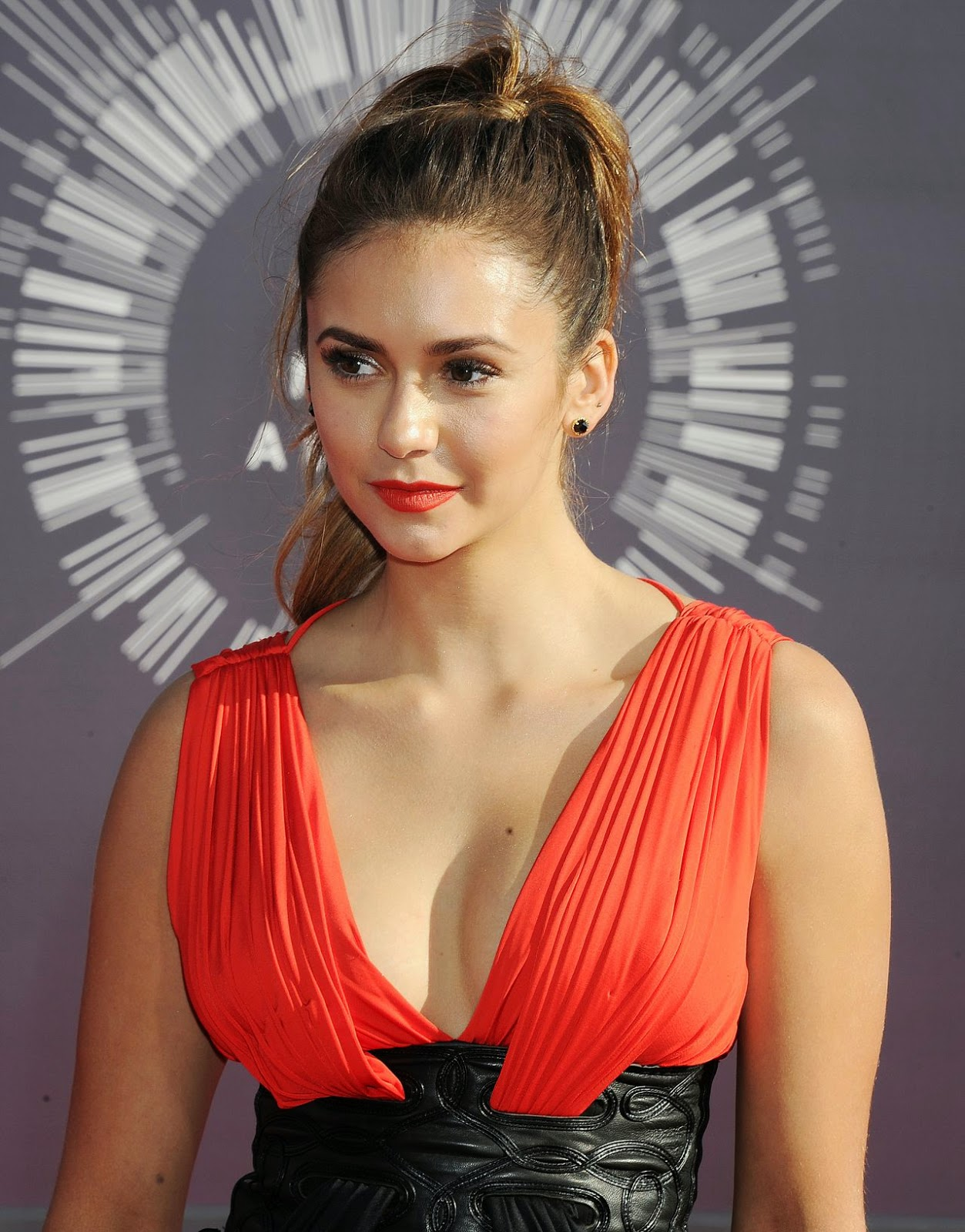 Nina Dobrev – 2014 MTV Video Music Awards in Inglewood #VMA