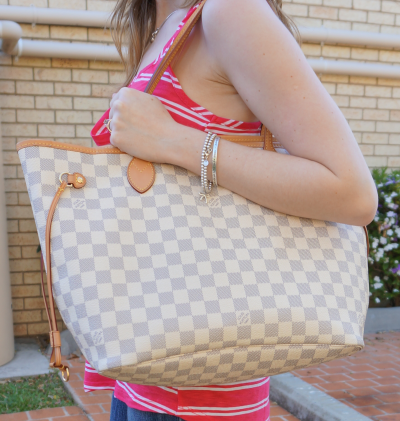 Louis Vuitton MM damier Azur Neverfull worn on shoulder
