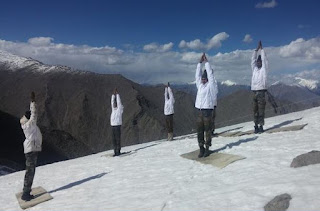 Indian Army Personnel doing Yoga at Siachen