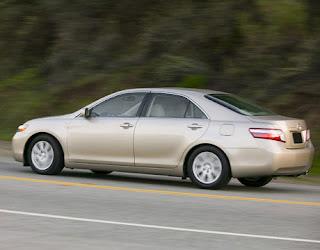 2008-Toyota-Camry-Hybrid-lg.jpg