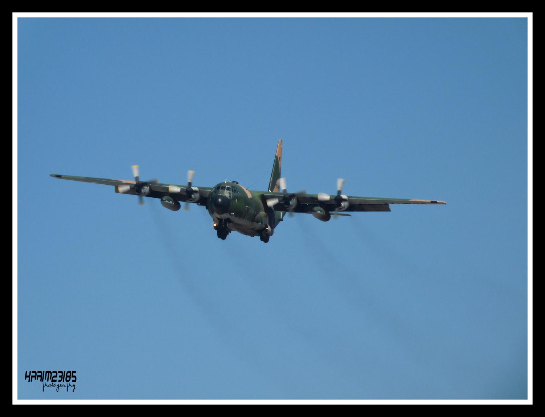 أكبر و أضخم موسوعة صور لطائرات النقل و الشحن الجزائرية AAF- iL 76/ iL 78 P1070848