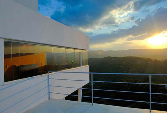 Modern-Mountain-Home-Design-Interior-by-Ulisses-Morato