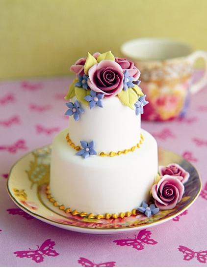 Fondant & Lace: Mini Cake Love
