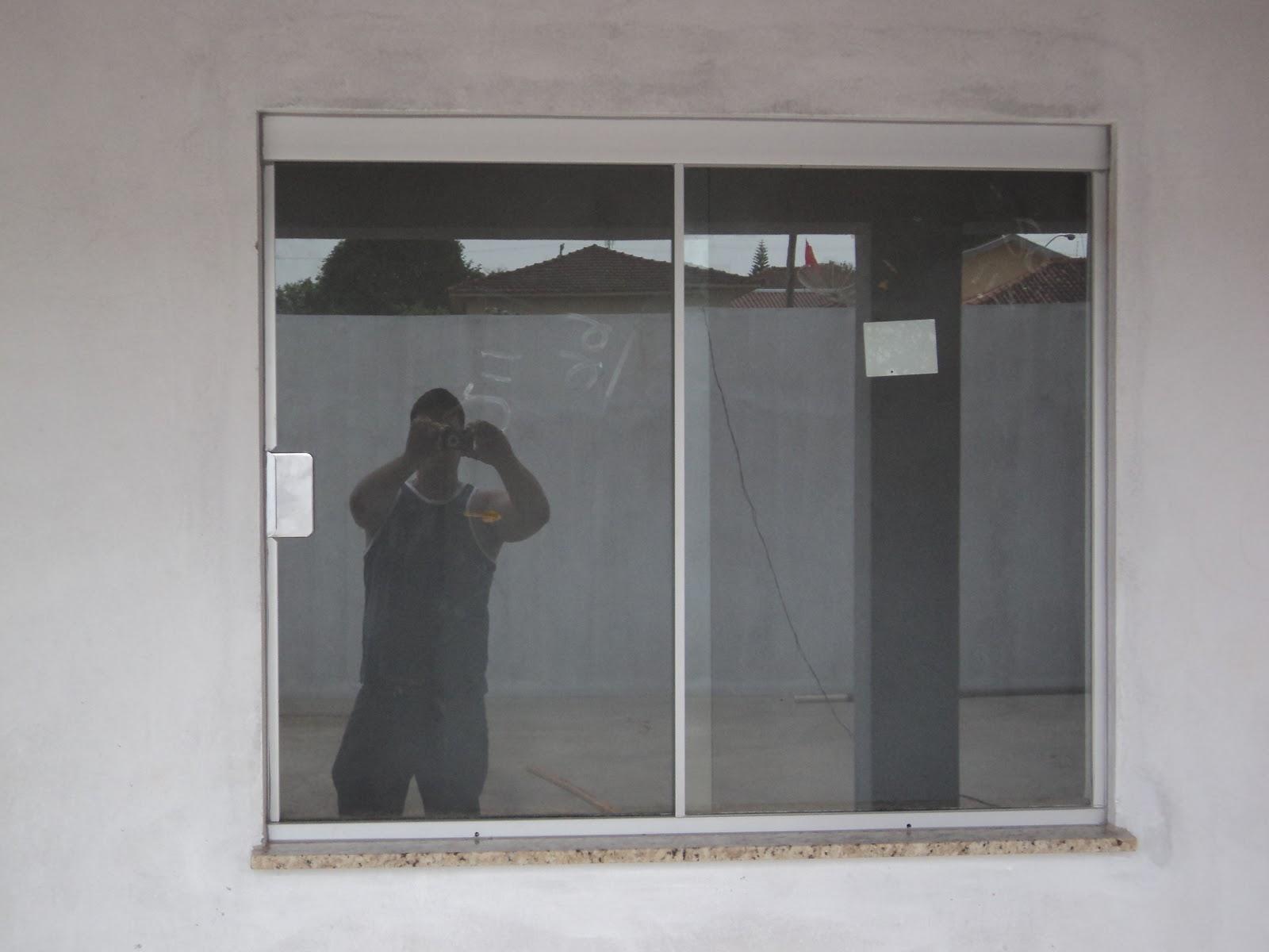 #59504C  área o vidro antílope e na janela da dispensa o sistema de 02 vidros 100 Janelas De Vidro Em Hortolandia