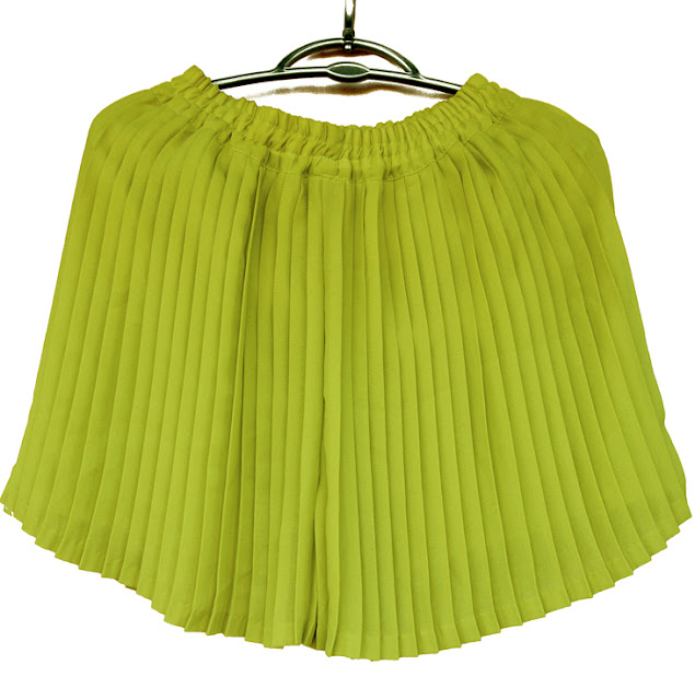 fusta pantalon plisata, scurta, colorata