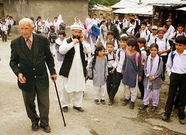G D Langlands with School Kids