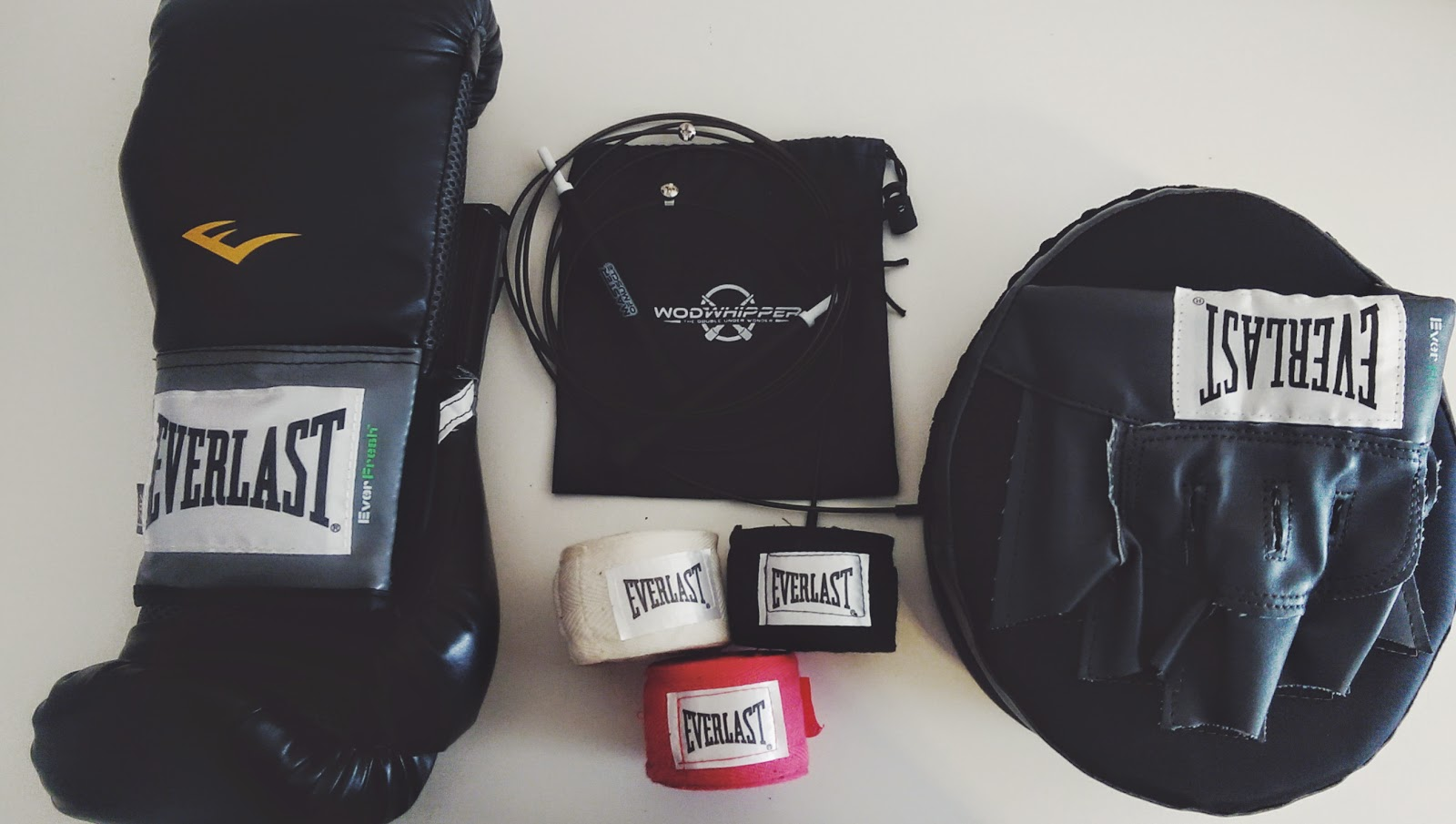 everlast-pro-boxing-gloves, everlast-hand wraps, everlast punch mitts, everlast boxing, everlast