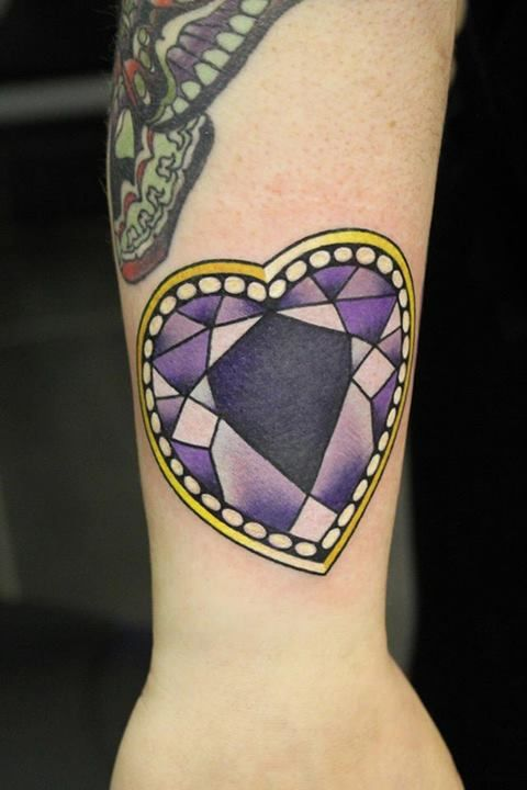 Tatuajes de diamantes belagoria la web de los tatuajes for Diamond heart tattoo