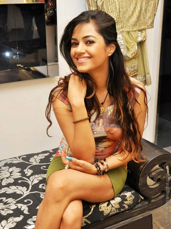 Meera Chopra, Sexy Indian Actress With Lovely Smile