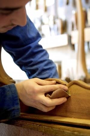 D coplus meuble en bois restaurer les meubles en bois - Decaper un meuble en bois ...