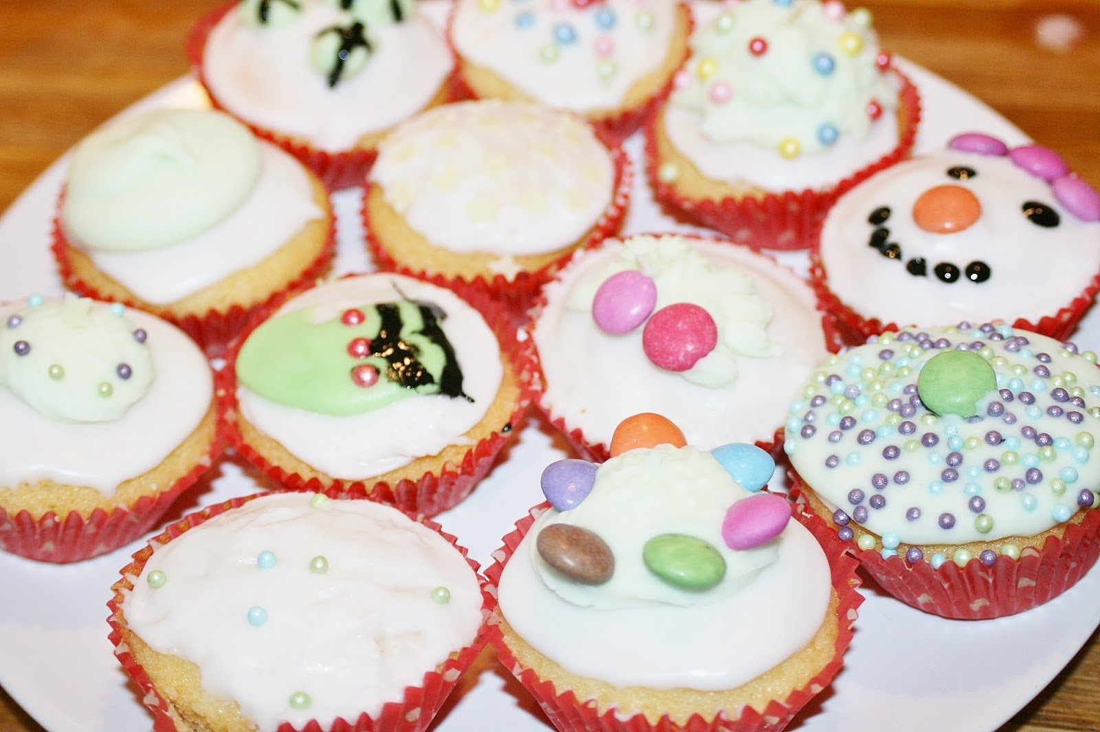Katherine Penney Chic Christmas Cupcakes Baking