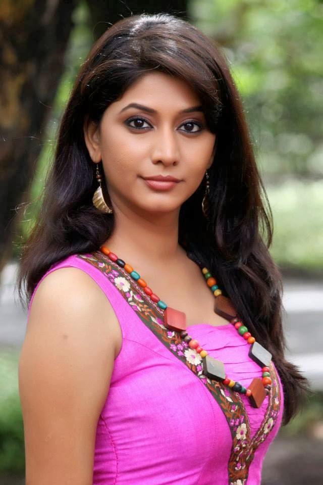 Honar Soon Mi Hya Gharchi Zee Marathis New Tv Show Picture