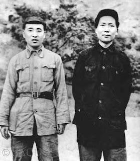 """""""Por una valoración científica de Lin Biao"""" - texto publicado en Crítica Marxista-Leninista en marzo de 2013 - contiene un documento de Gran Marcha hacia el Comunismo: """"Acerca de la cuestión de Lin Piao"""" - también vídeo relacionado y documento en inglés Mao+y+Lin+Biao+en+Yen%C3%A1n+-1936"""