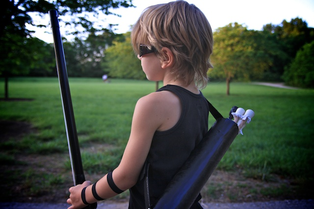 Here is the long awaited LAST post to the Homemade Hawkeye Costume. This is how I made the Quiver an Archers case for holding arrows. & Life Sprinkled With Glitter: The Avengers Homemade Hawkeye Costume