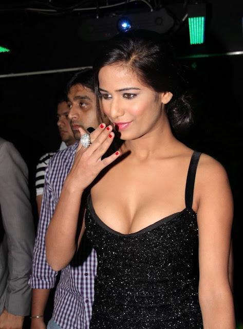 Poonam Pandey Hot in black