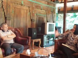 Sehabis Lulus Ujian Sidang MBA, Silaturahim ke rumah Prof. Amien Rais: Marissa Haque Fawzi