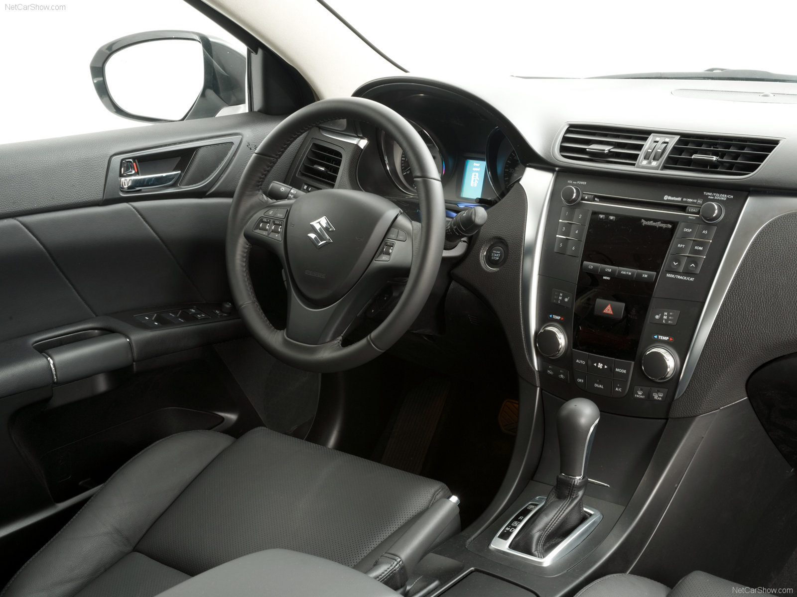 Hình ảnh xe ô tô Suzuki Kizashi 2010 & nội ngoại thất