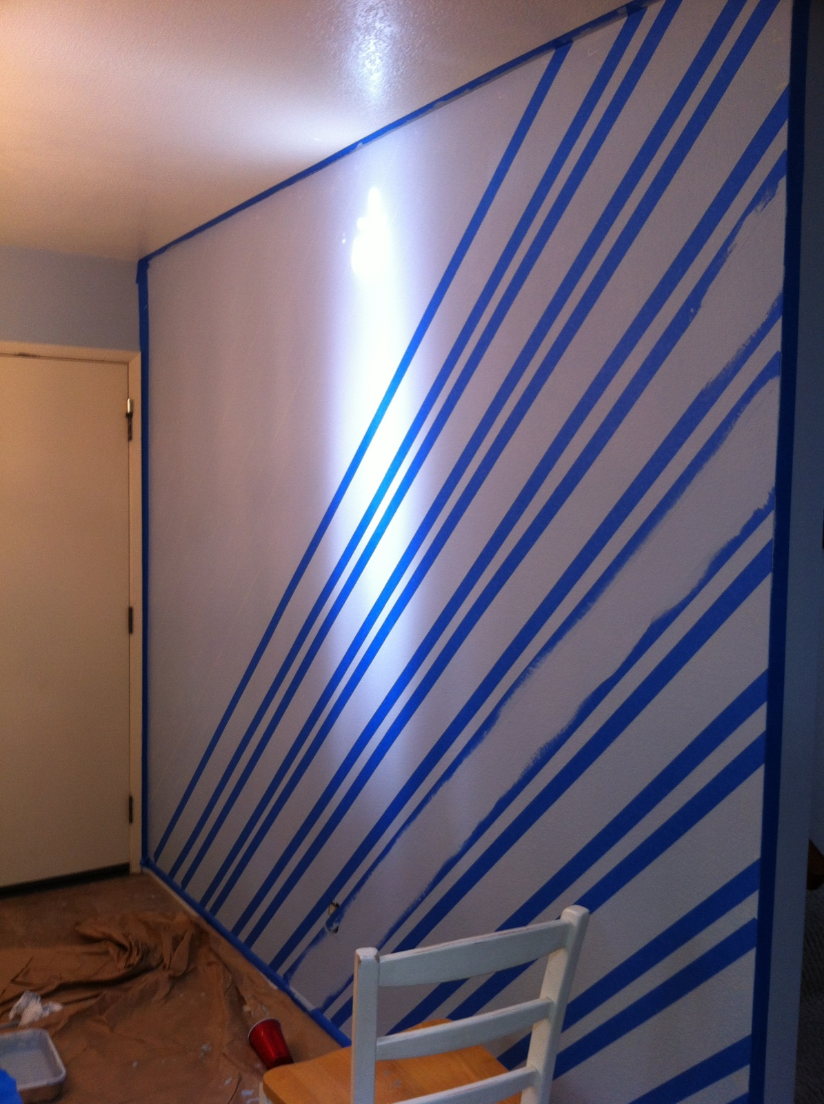 Wall painting techniques stripes -