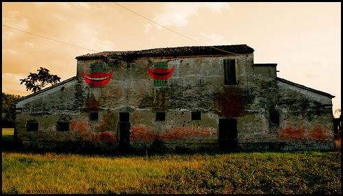 I migliori film horror italiani maximum film - Casa finestre che ridono ...