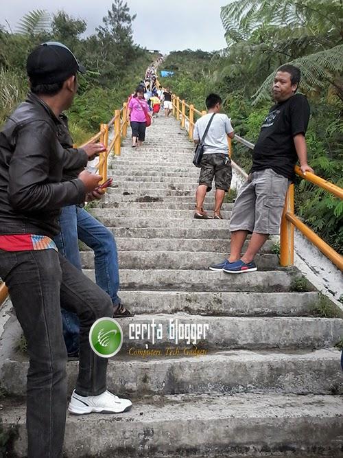 tangga-puncak-galunggung
