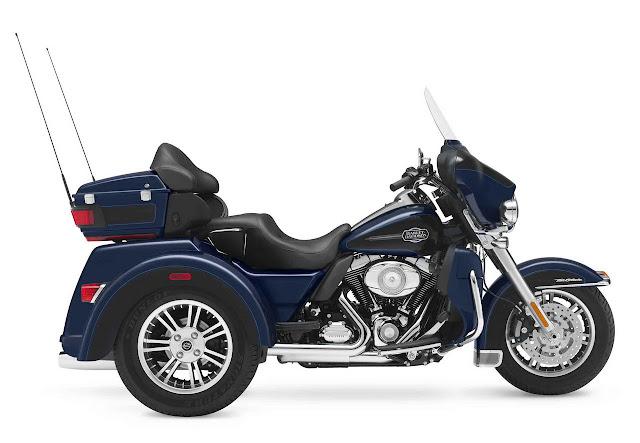 2012-Harley-Davidson-FLHTCUTG-Tri-Glide-Ultra-Classic