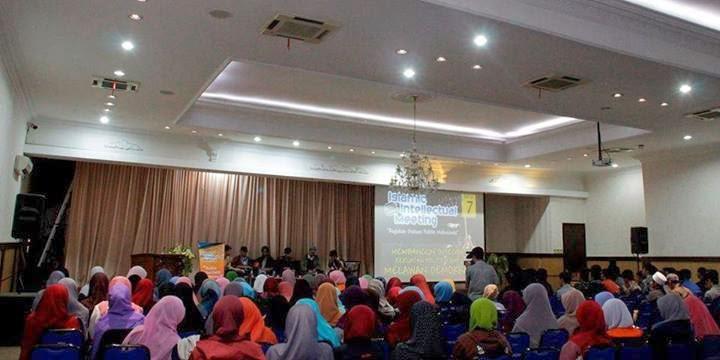 Mahasiswa Bandung Melawan Demokrasi