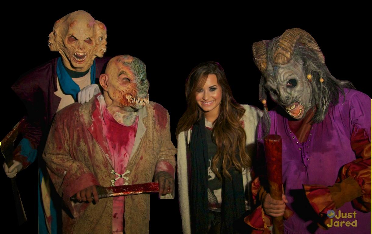 http://2.bp.blogspot.com/-ZWbQxFhr47g/TphsLZrSWmI/AAAAAAAAJNk/mSsNE_gsgPw/s1600/demi-lovato_horror-nights.png