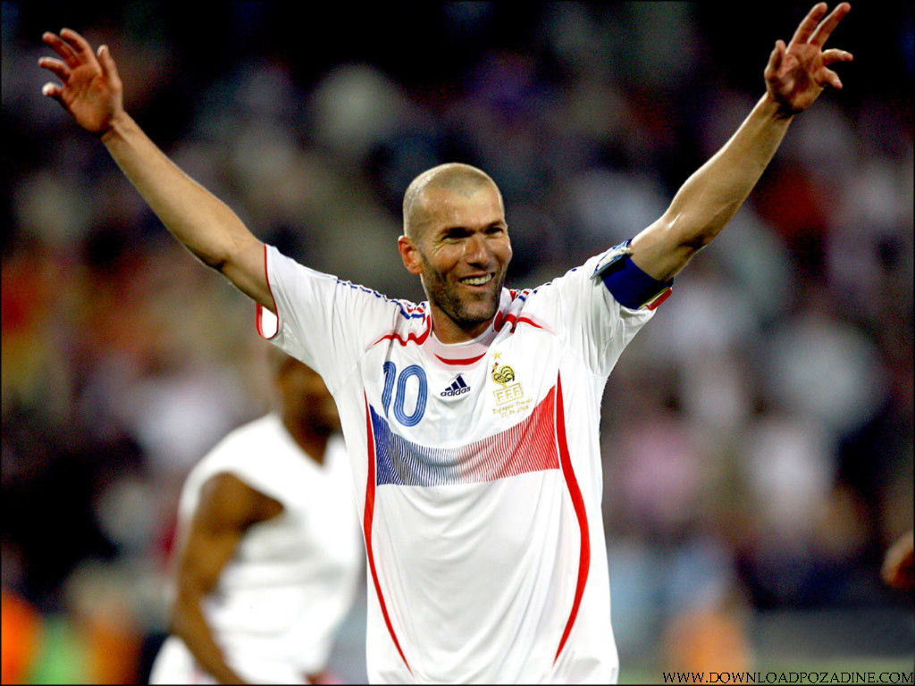 http://2.bp.blogspot.com/-ZWnZtaeP4W0/T1jnVUvKlFI/AAAAAAAAAKc/dkh1-xaZHNo/s1600/sport-wallpapers-desktop-011-Zinedine-Zidane.jpg