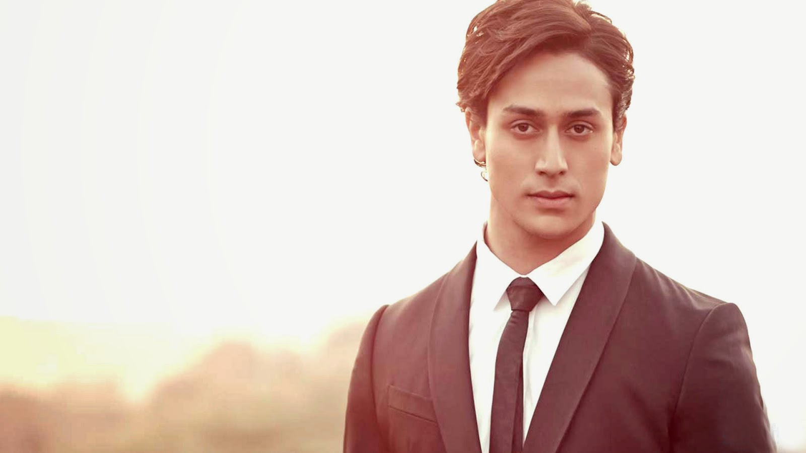 tiger shroff hd wallpapers | imwallpapers - free hd desktop