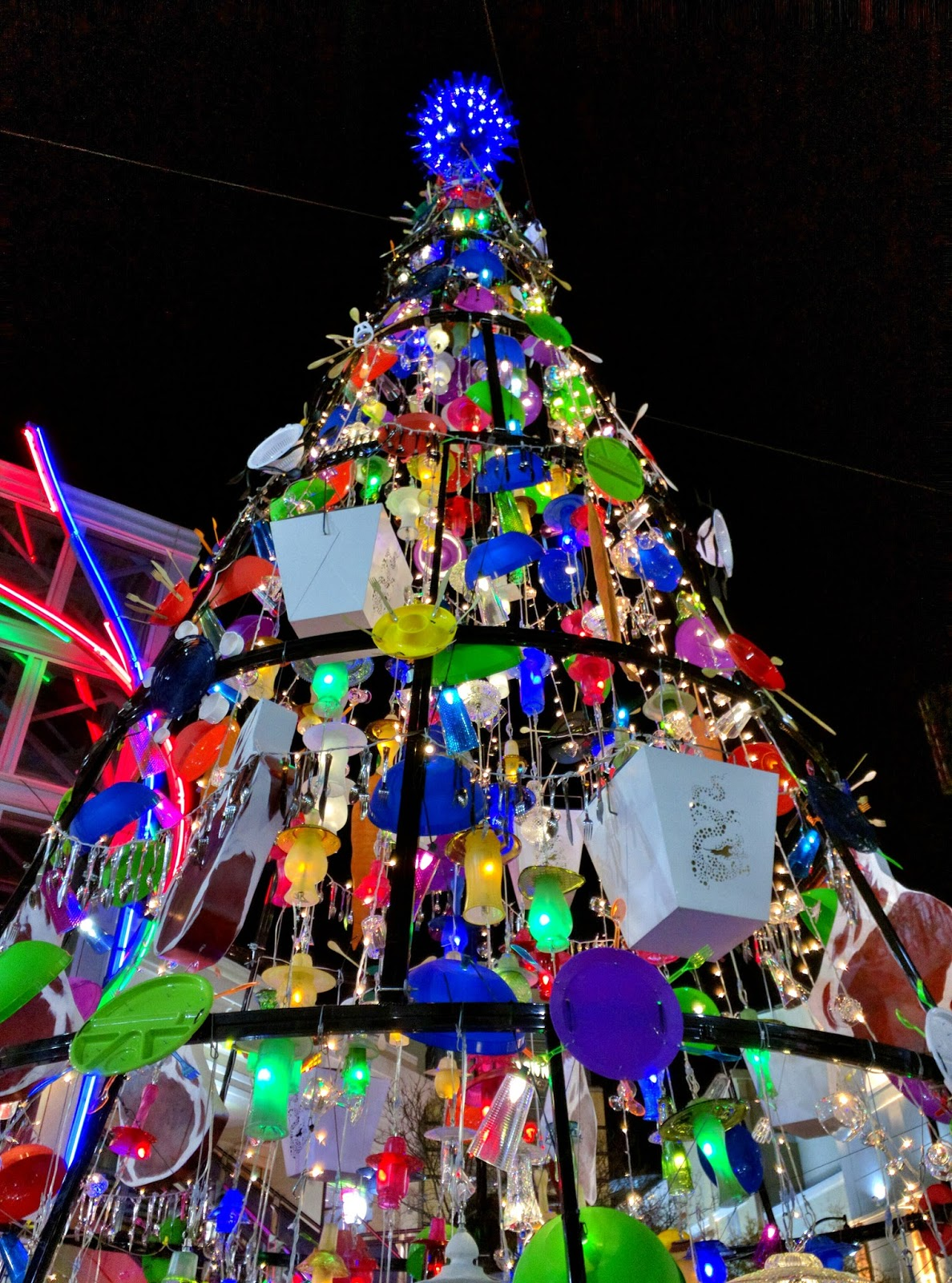 you can make a donation to manna food center at the tree and find out more about deals at local downtown silver spring restaurants and businesses - Unique Christmas Tree Lights