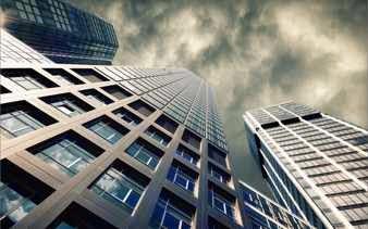 Rascacielos visto desde abajo