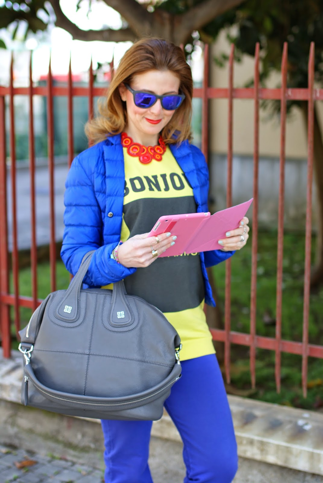 Nike free run 5.0 trainers, Givenchy Nightingale bag, Ozaki icoat cover, sporty look, fashion and Cookies, fashion blogger
